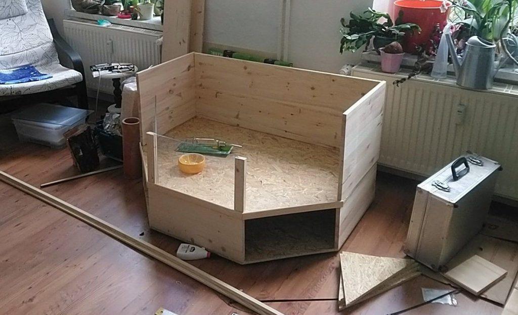 Rohbau beider Ebenen, mit montierterten Holzkanten